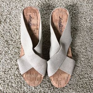Lucky Brand tan wedge sandals